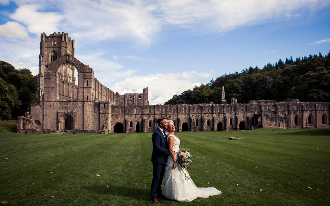 Fountains Abbey Wedding Photography – Sue & Andy's Stylish Wedding Day
